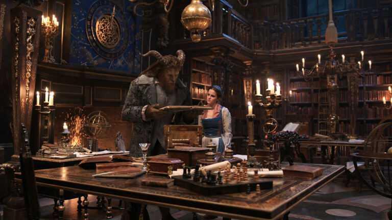 La Bella e la Bestia: la Fiaba Disney torna a risplendere | Recensione