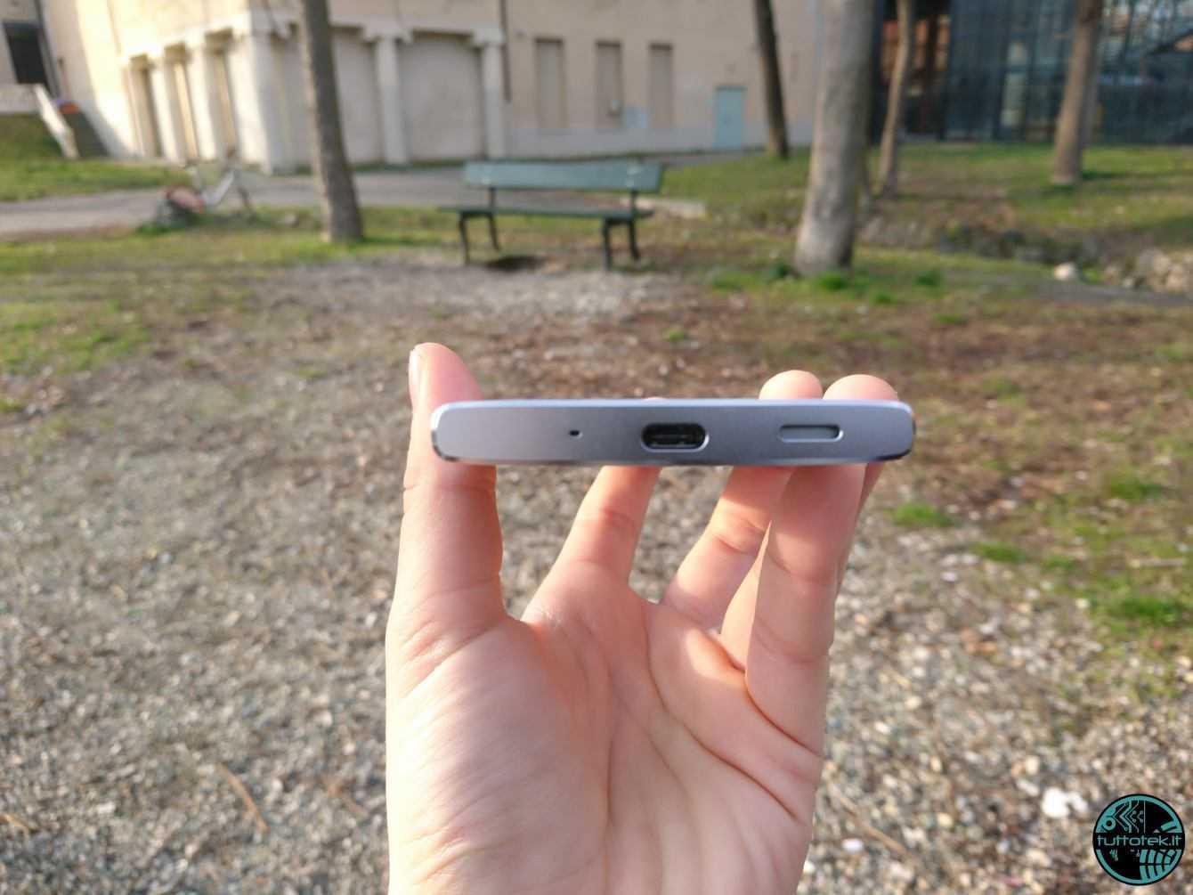 Recensione Sony Xperia XA2: il medio gamma che punta al top