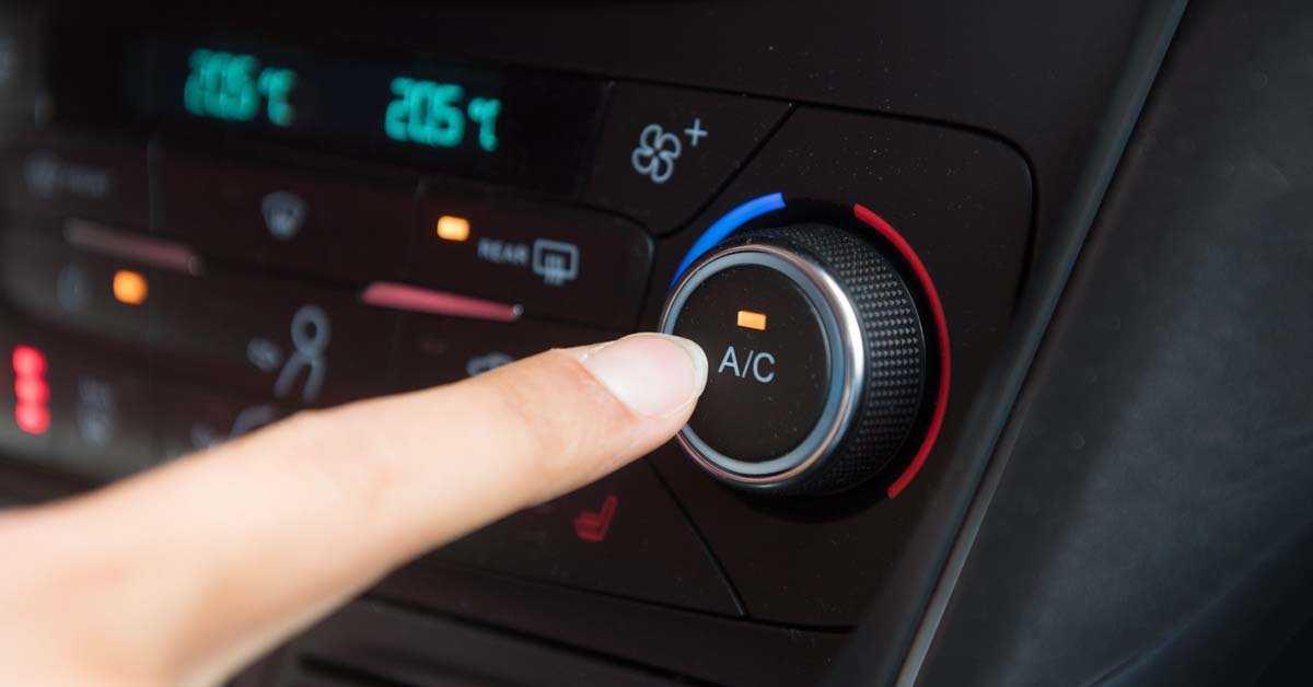 Viaggiare in auto: 10 consigli su come risparmiare benzina, tempo e soldi