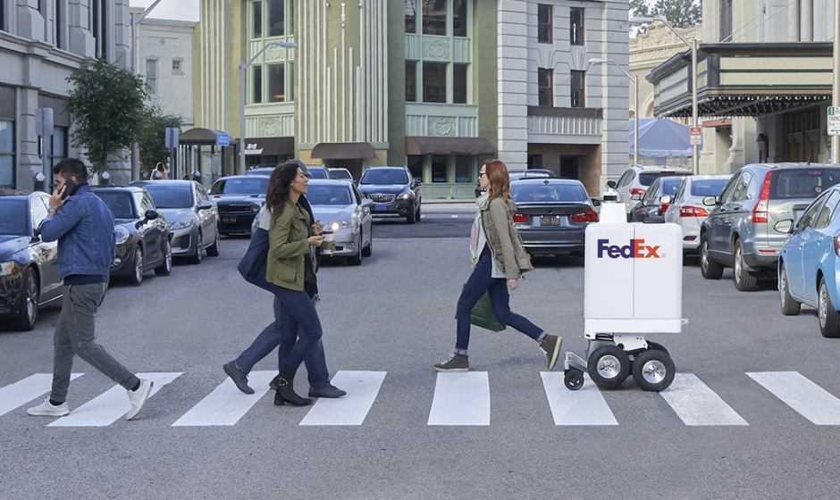Il futuro delle consegne: FedEx presenta i robot-corrieri