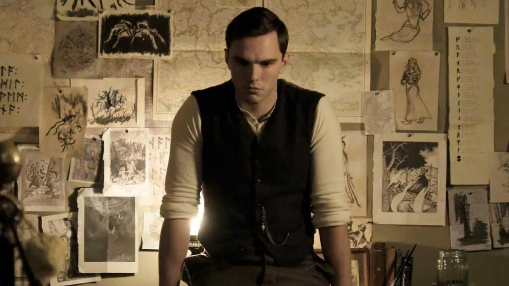 Recensione Tolkien: un biopic senza magia