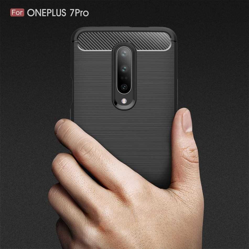 OnePlus 7 Pro: la cover su Amazon conferma alcune caratteristiche
