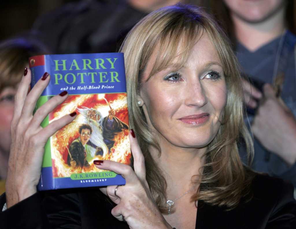 Harry Potter, preti polacchi bruciano i libri della saga