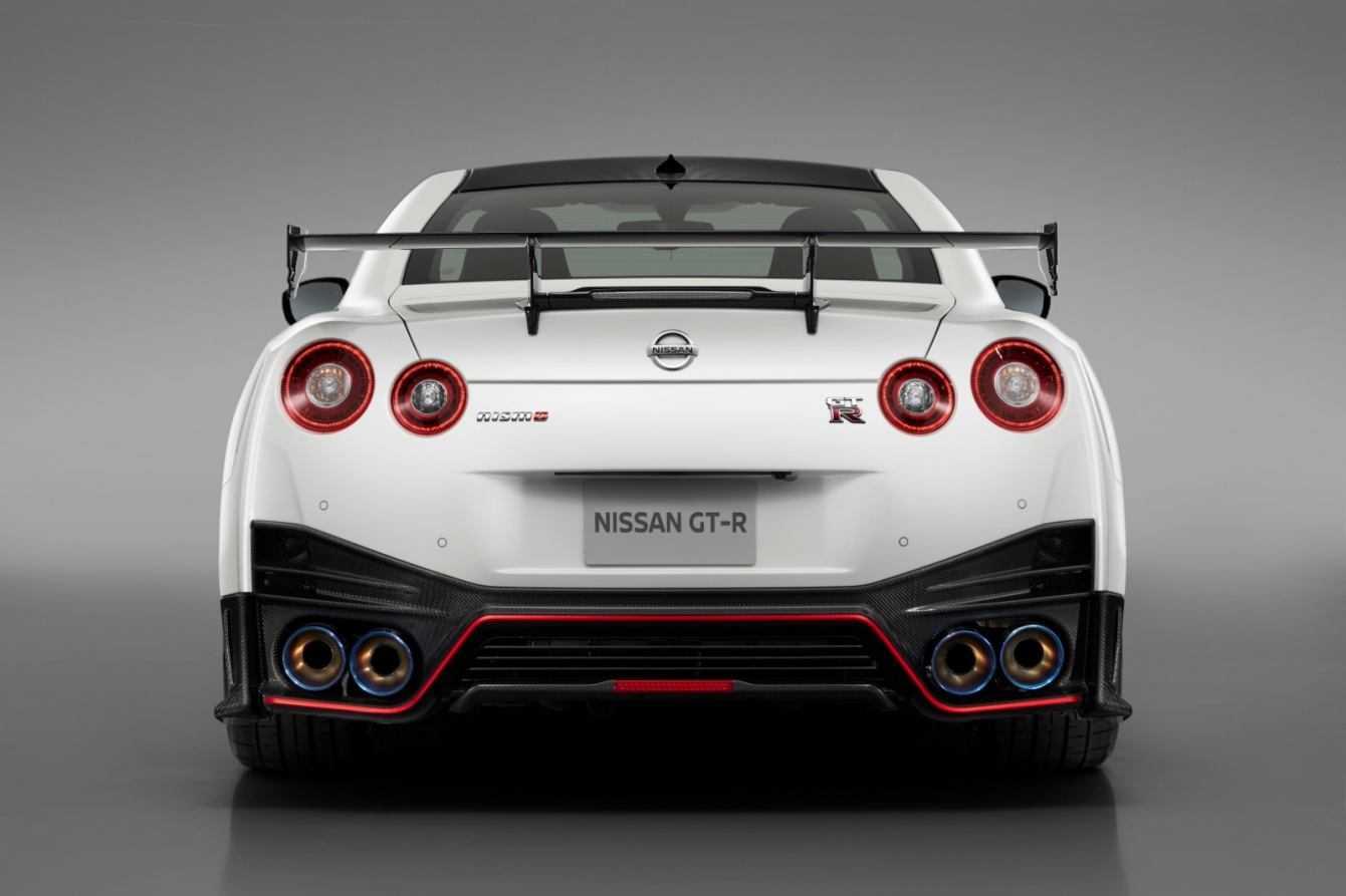 Nissan GT-R NISMO 2020: ode alla velocità