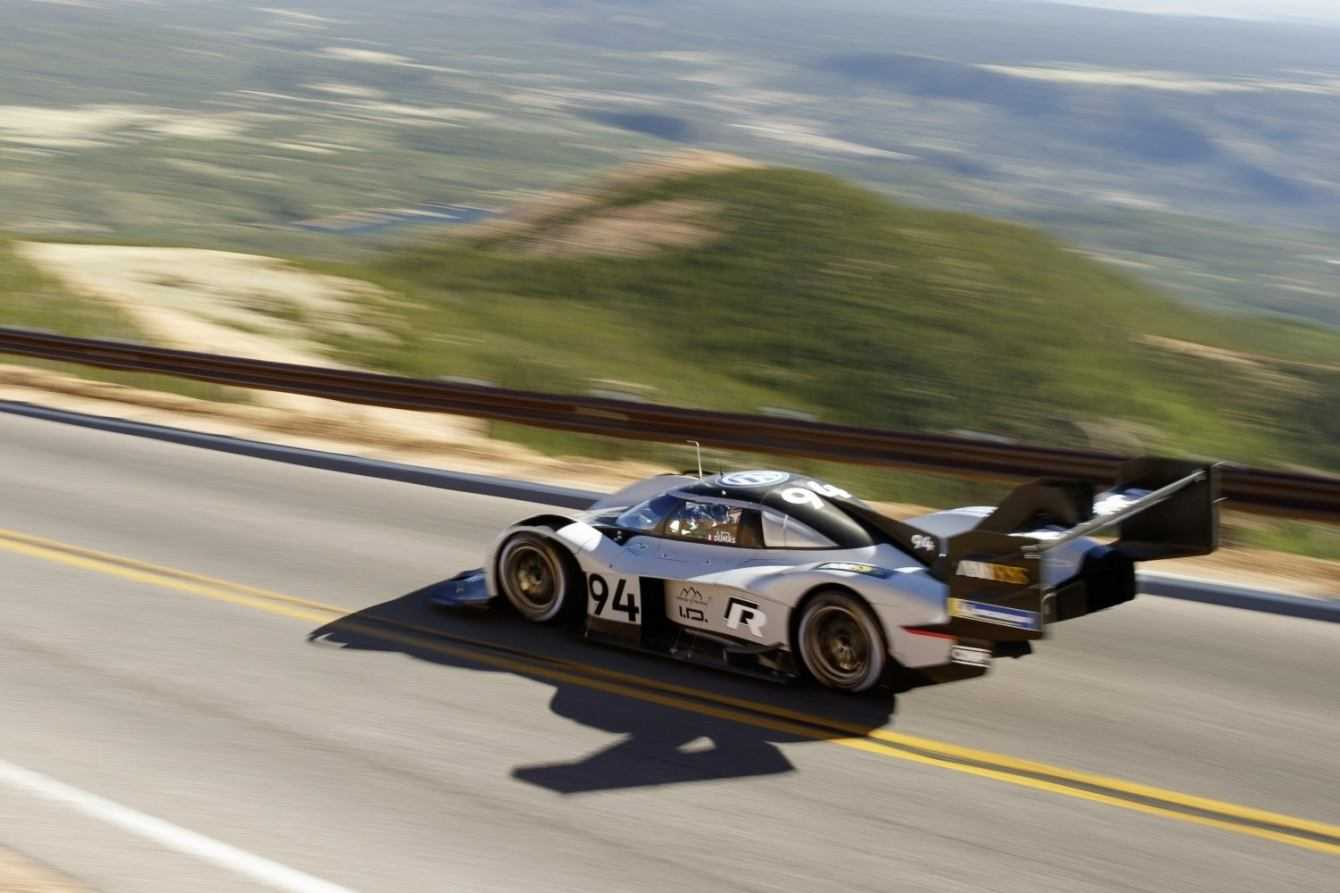Volkswagen I.D. R punta al record del Nürburgring