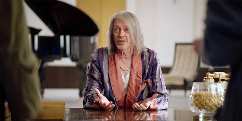Recensione Miracle Workers: Steve Buscemi come Re Mida