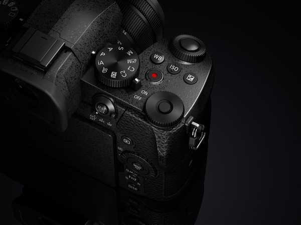 Panasonic LUMIX G90: la piccola mirrorless per foto e video