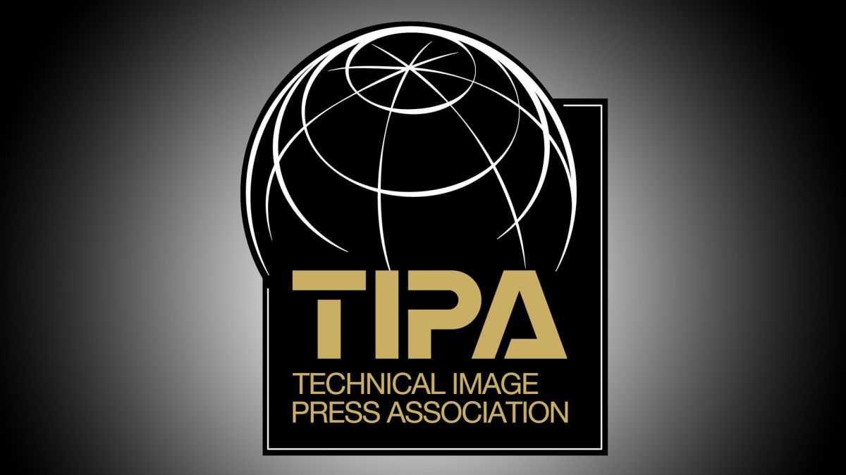 Canon: arrivano 4 premi TIPA Awards per ottiche e mirrorless