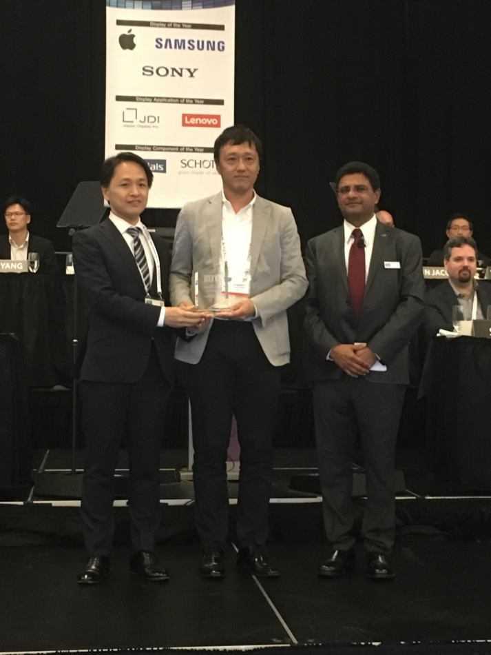 """Crystal LEDdi Sony vince il premio """"Display of the Year"""""""
