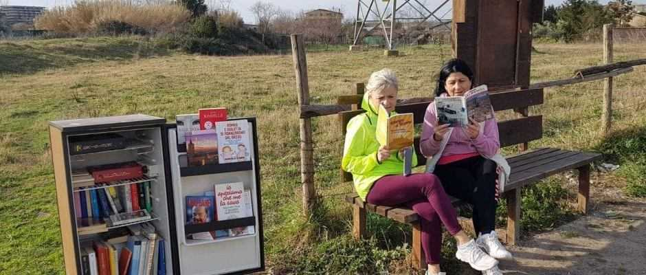 Libri: a Vitinia, FrigoBook trasforma i frigoriferi in biblioteche