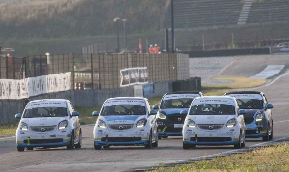 20 smart e-cup nell'arena di Vallelunga all'ultimo kilowatt