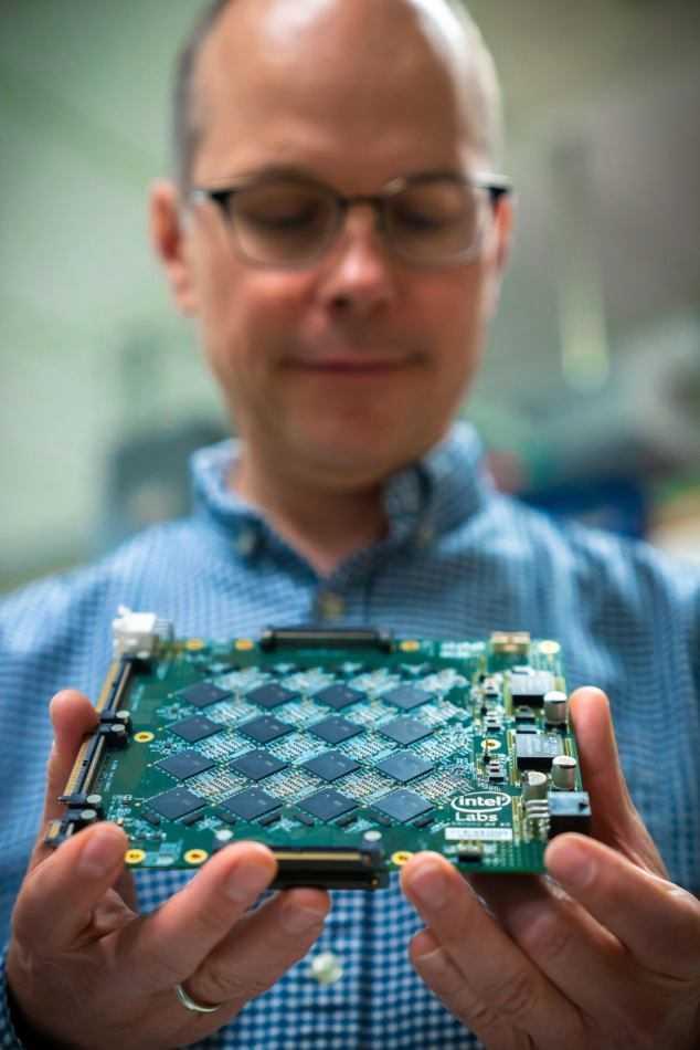 Pohoiki Beach di Intel: sistema neuromorfico rivoluzionario