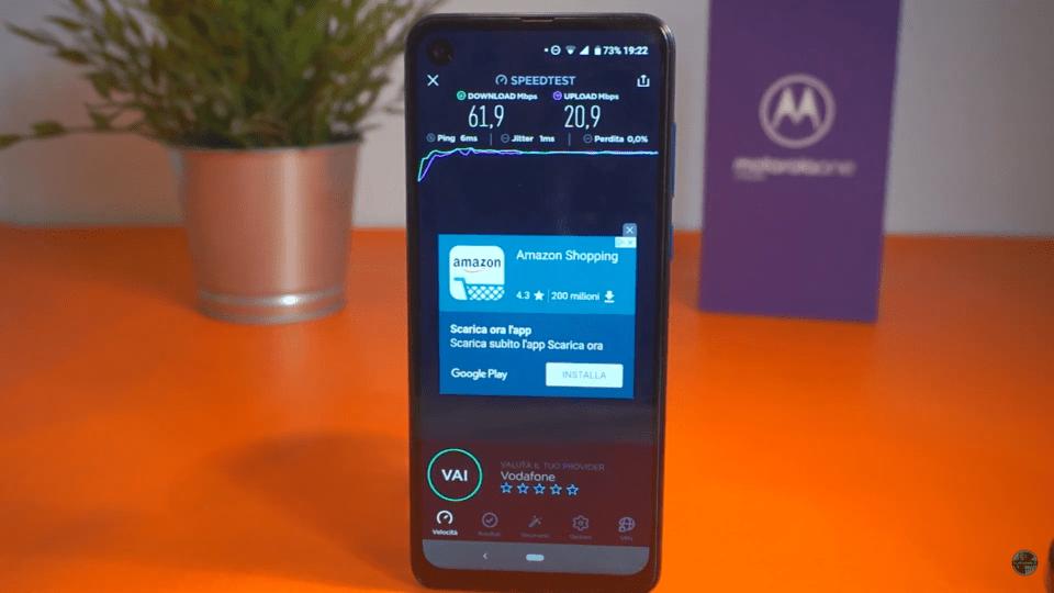 Recensione Motorola One Vision: 21:9 e foro per la fascia media