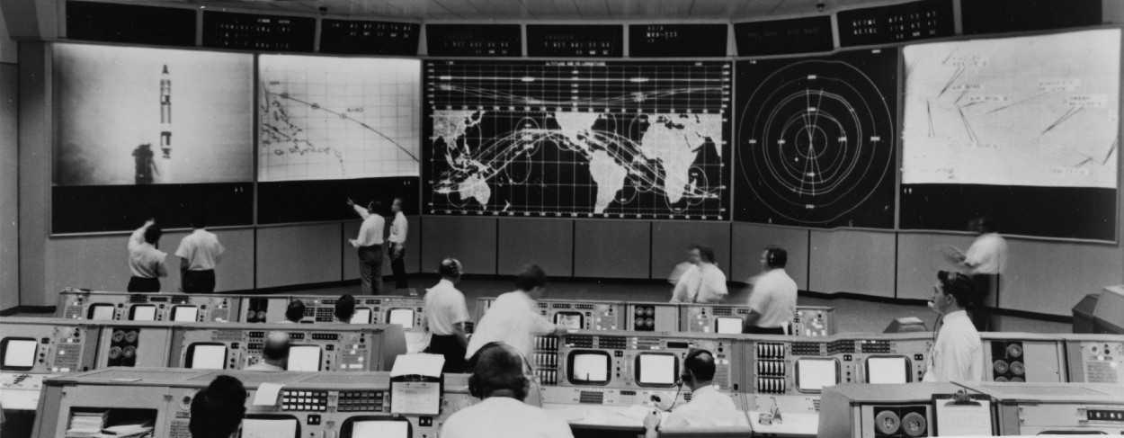 Space Oddity: contributo Ford per l'uomo sulla Luna | Curiosità