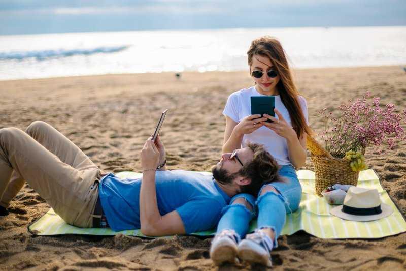 PocketBook Touch Lux 4: ebook reader per l'estate!