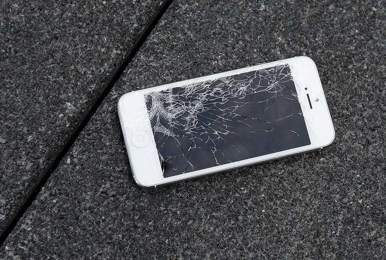 Riparare iPhone: schermo, touchscreen e back up