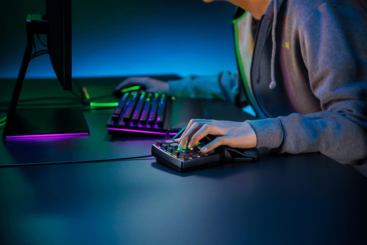 Tieni in pugno la partita con Razer Tartarus Pro
