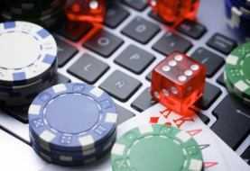 Stop a Slot, Lotto e SuperEnalotto. Ma il gioco d'azzardo continua online