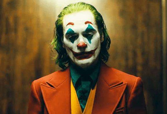Recensione Joker: una discesa nella follia