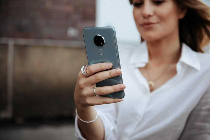 Per un italiano su quattro il proprio smartphone peggiora nel tempo
