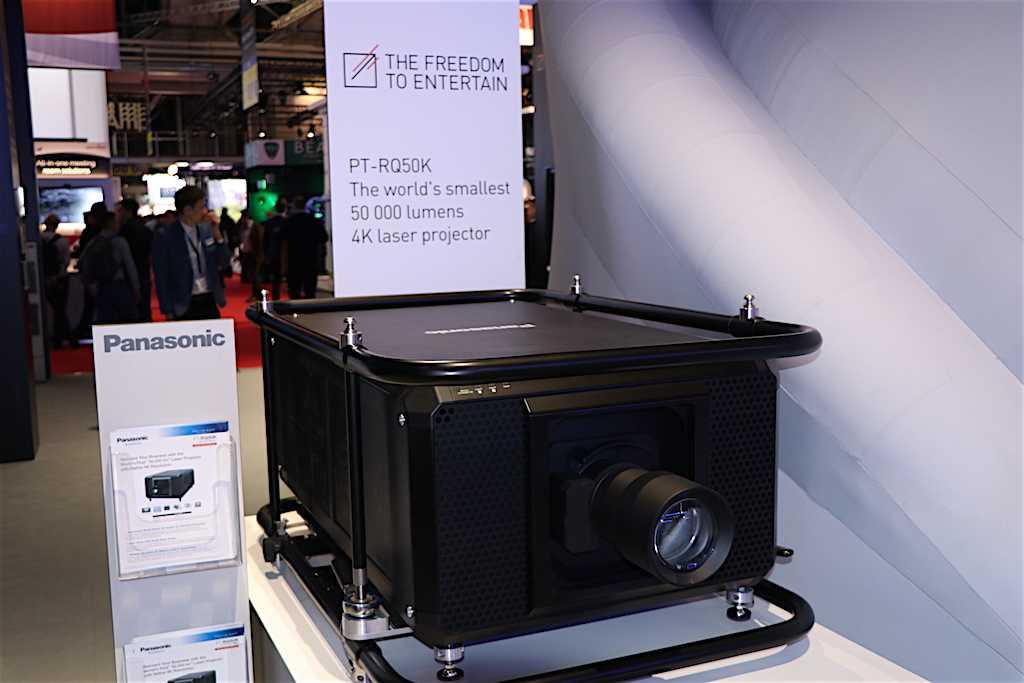 Panasonic: LANG AG ha investito nei sui proiettori più recenti