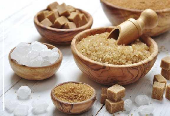 Zucchero bruno: è davvero più salutare di quello bianco?