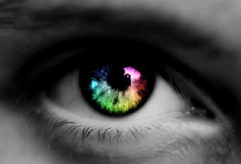 Lenti a contatto: nuovi modelli correggono il daltonismo