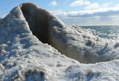 Vulcani di ghiaccio: eruzioni che fanno rabbrividire