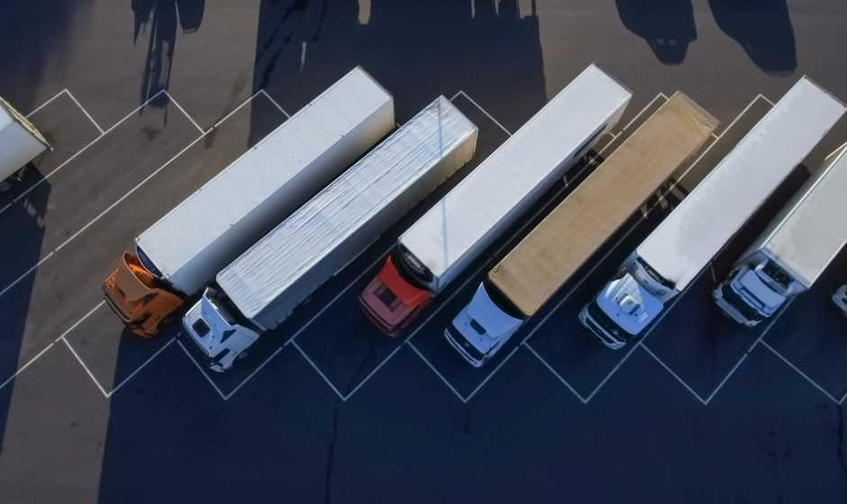 Il web per comprare veicoli commerciali: camion, trattori, autobus usati e molto altro su Tradus.com