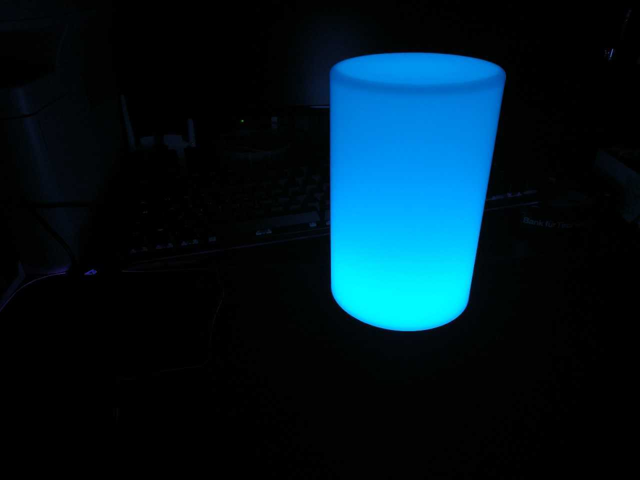 Recensione AUKEY LT-T6: la lampada notturna elegante e colorata