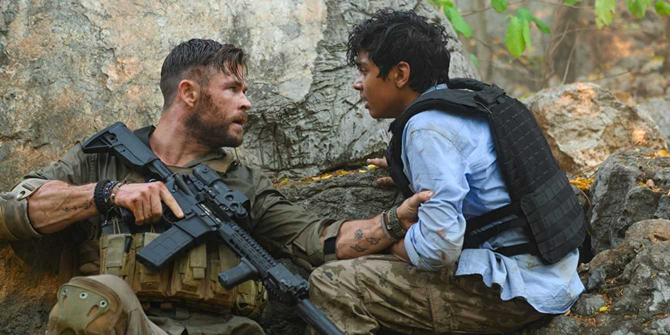 Recensione Tyler Rake: azione esasperata di Chris Hemsworth