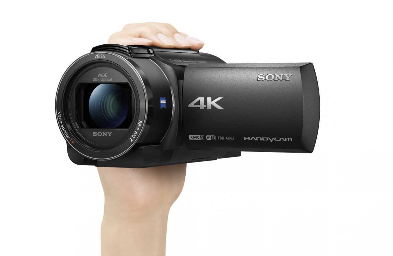 Sony: la vlog camera ZV-1 e la Handycam 4k FDR-AX43