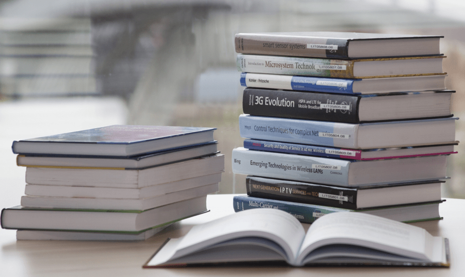 Libraio rider a Catanzaro: il lockdown impenna le vendite dei libri a domicilio