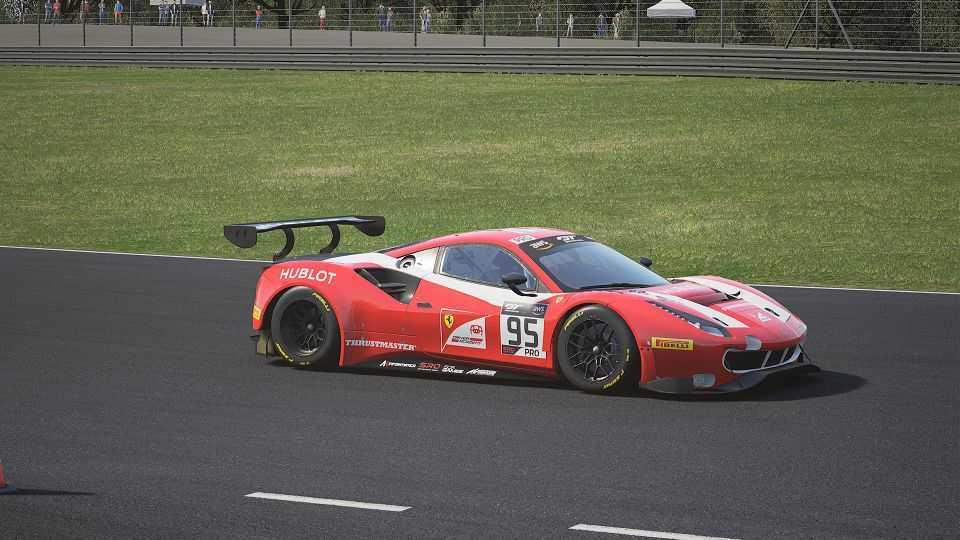 Ferrari Sim Racing Team alla ricerca di talenti