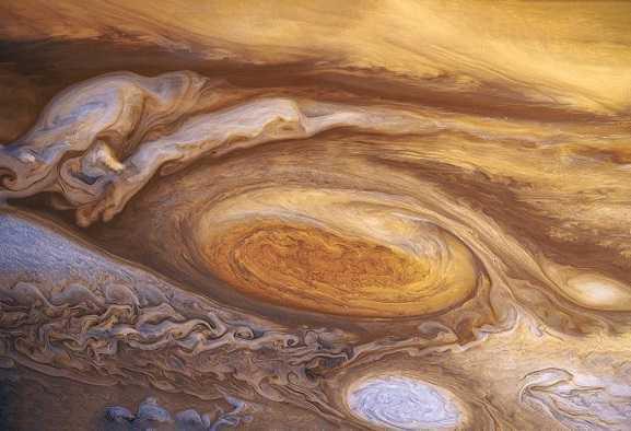 Giove: astrofilo scopre una nuova macchia