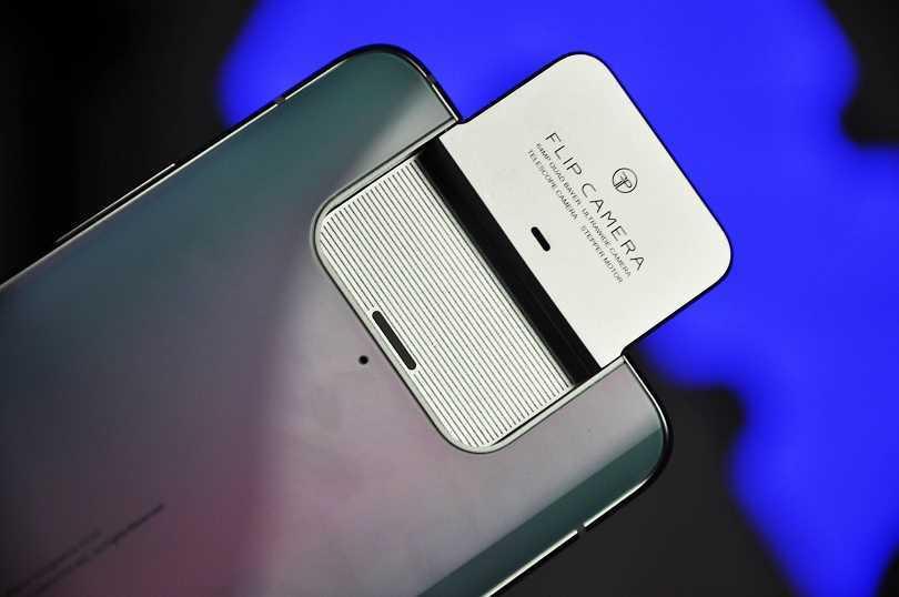 ASUS Zenfone 7 e 7 Pro: caratteristiche tecniche del nuovo top di gamma