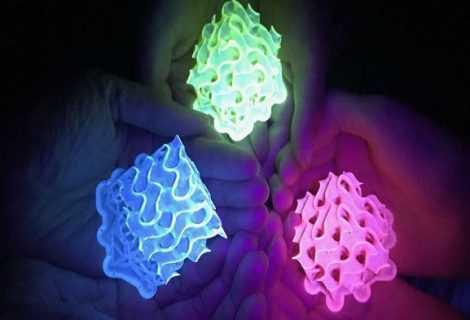 Fluorescenza: sviluppato il materiale più luminoso di sempre