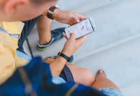 Internet, l'81% degli italiani naviga da smartphone: i consigli per la sicurezza