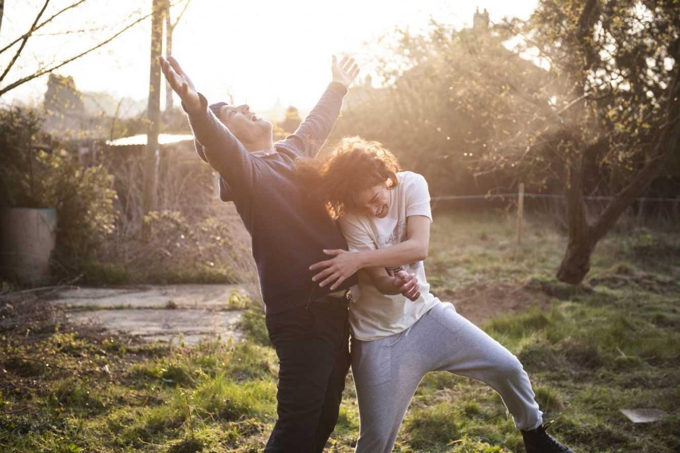 Recensione Guida Romantica a posti perduti: l'amore è nel silenzio