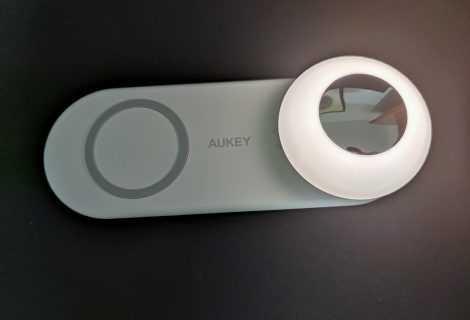 Recensione AUKEY LT-ST26: la lampada notturna con base di ricarica wireless