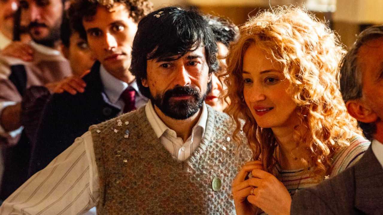 Recensione Lacci: Venezia 77 si apre con il dramma firmato Luchetti