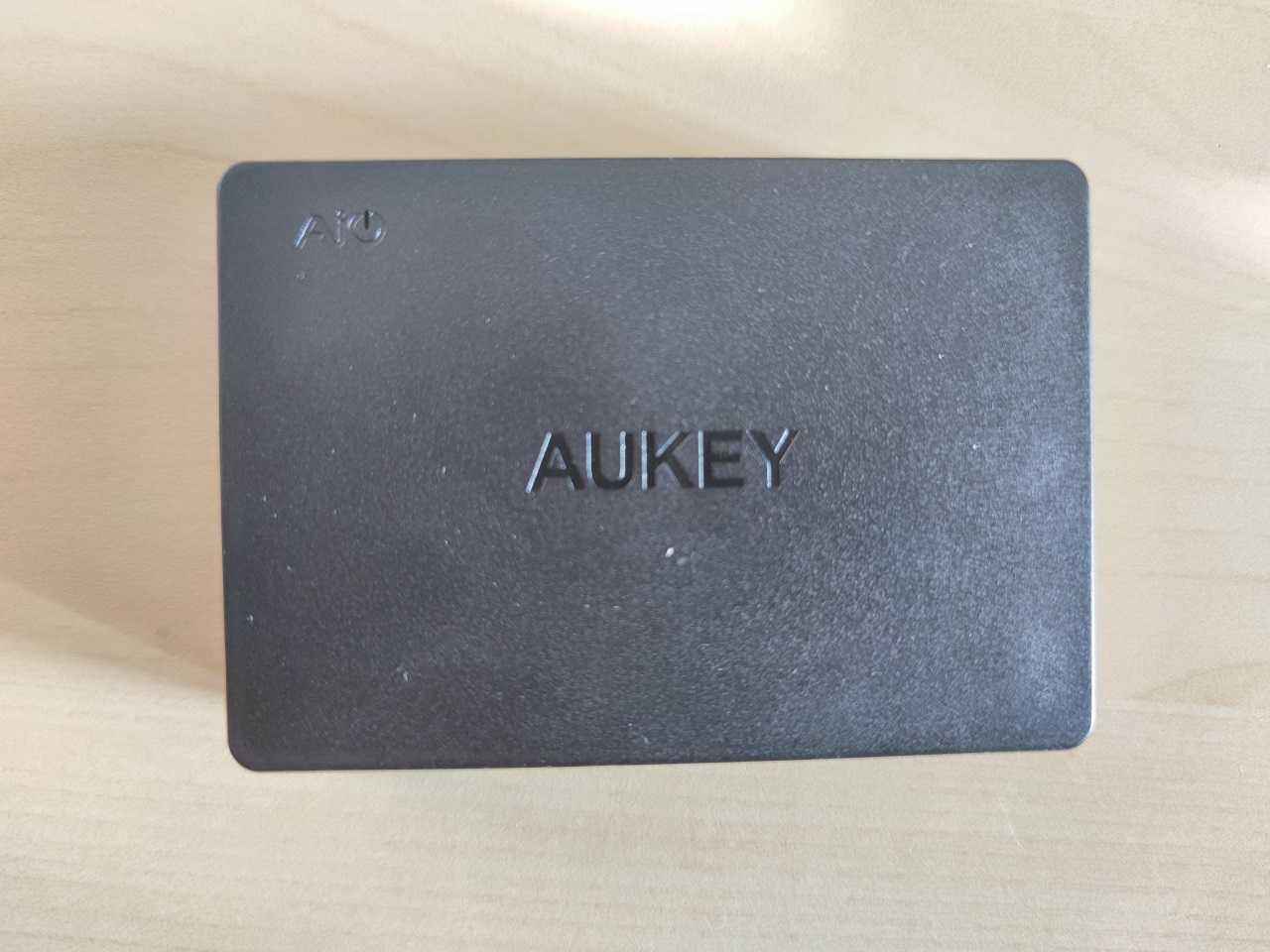 Recensione AUKEY PA-T11: la stazione di ricarica con ben 6 porte