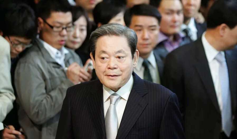 Samsung: muore il presidente Lee Kun-Hee