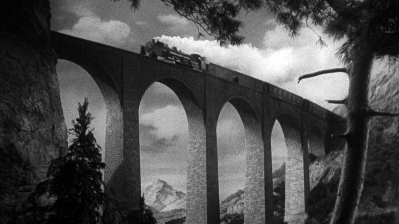 La signora scompare |  l'ultimo acuto inglese | Alfred Hitchcock