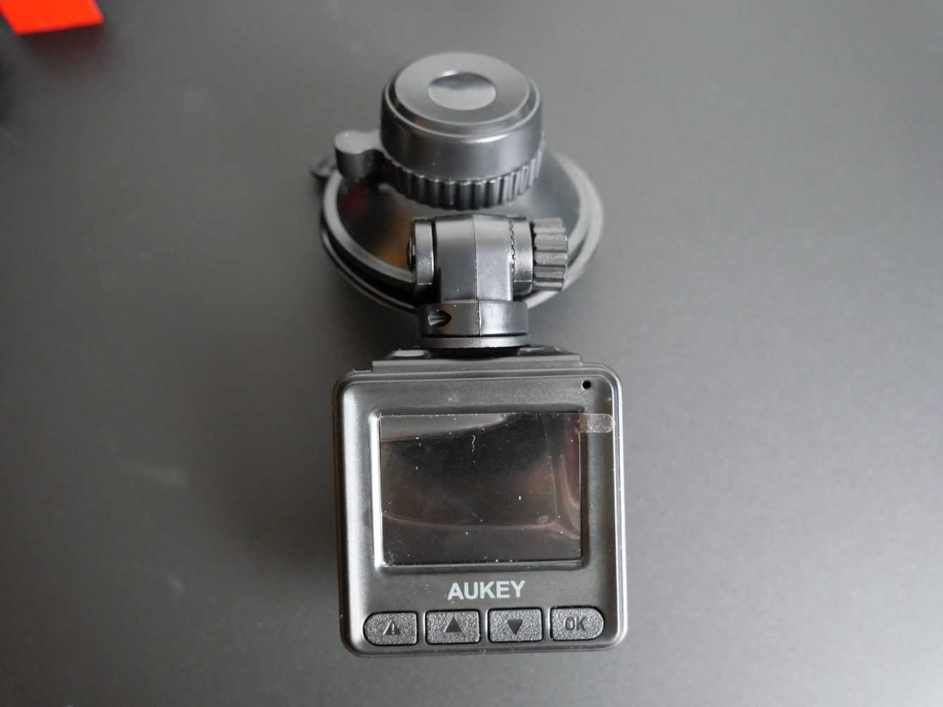 Recensione Aukey dashcam DRA5: un valido aiuto?