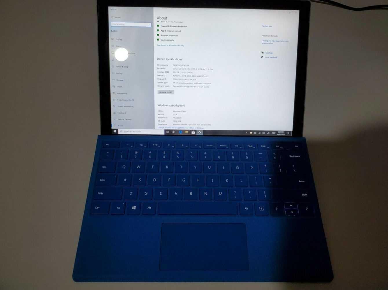 Surface Pro 8: un prototipo in vendita su eBay