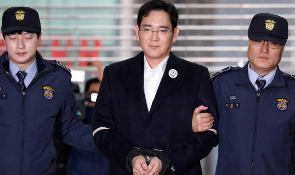 Samsung: l'erede della società è stato condannato per corruzione