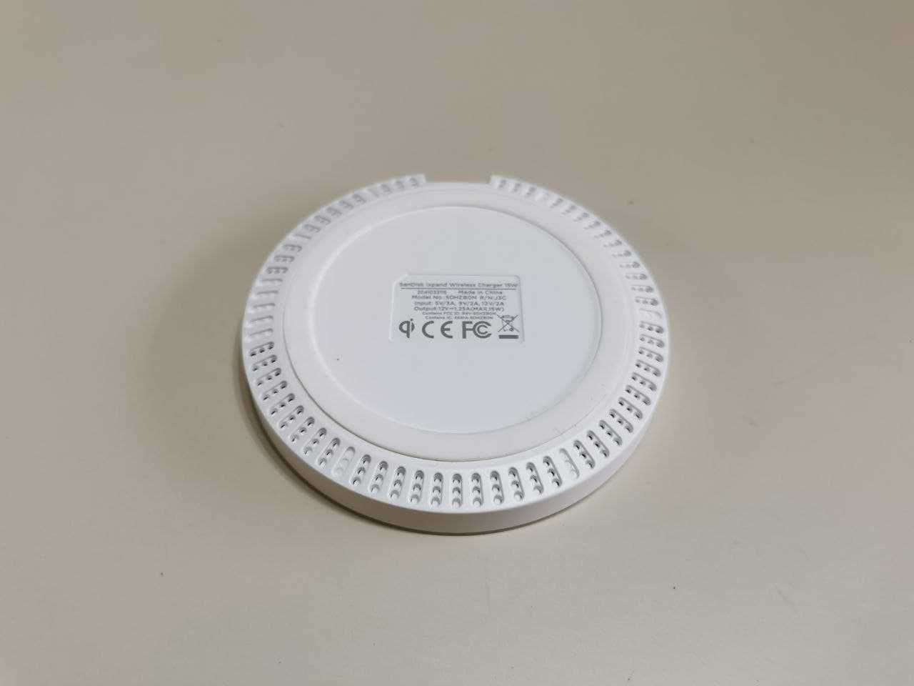 Recensione SanDisk Ixpand Wireless Charger: veloce e discreto
