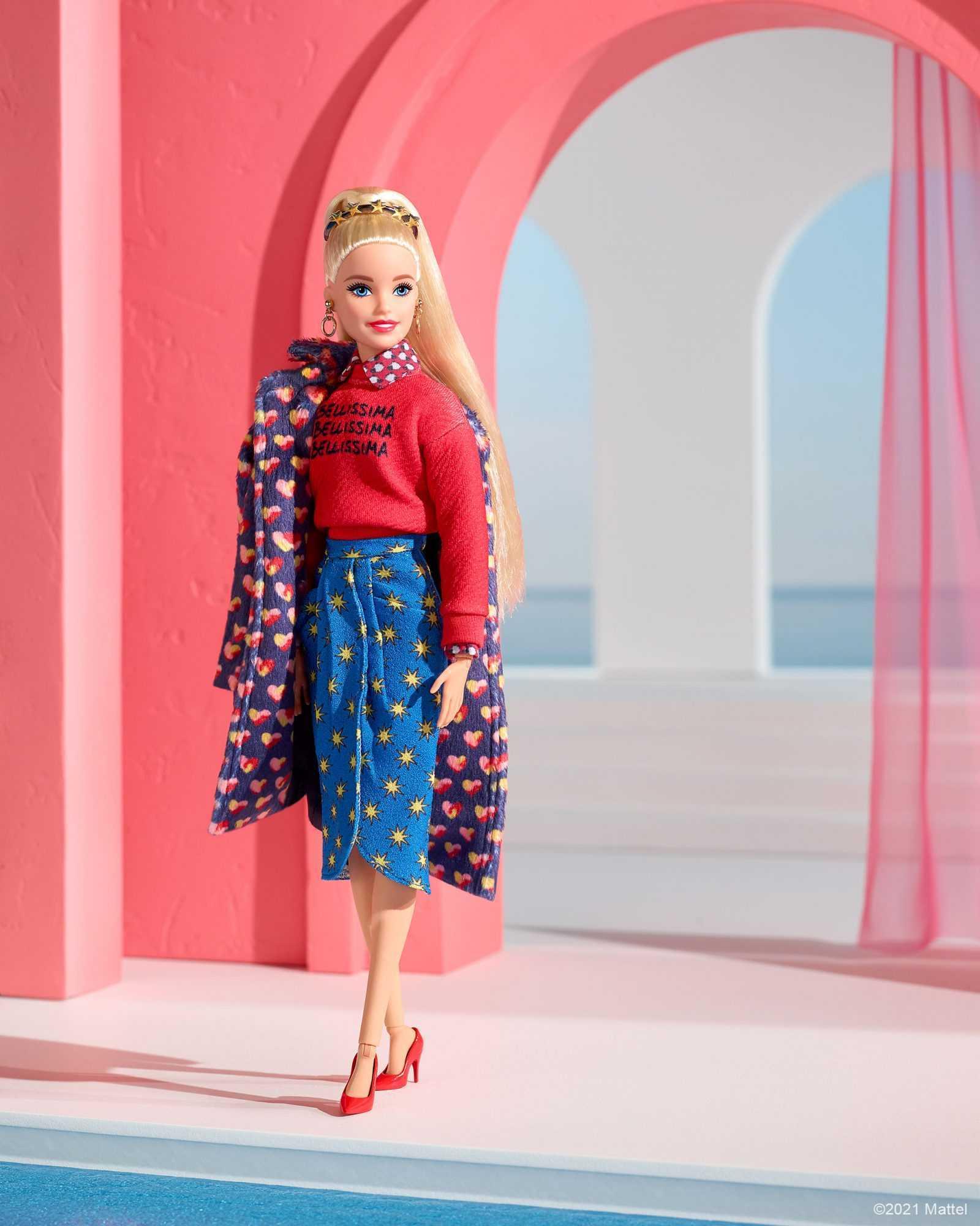 Alessandro Enriquez veste Barbie in vista della Milano Fashion Week