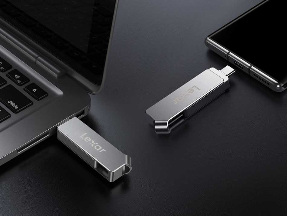 Lexar: ecco Jumpdrive D30c l'archiviazione sicura anche per smartphone
